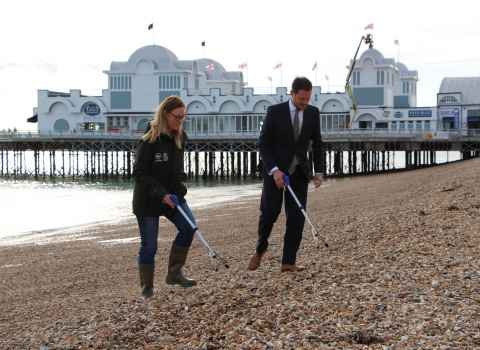 Stephen Morgan MP and HIWWT Chief Exec Debbie Tann doing a beach clean