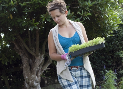 Woman wildlife gardening 2 © Tom Marshall